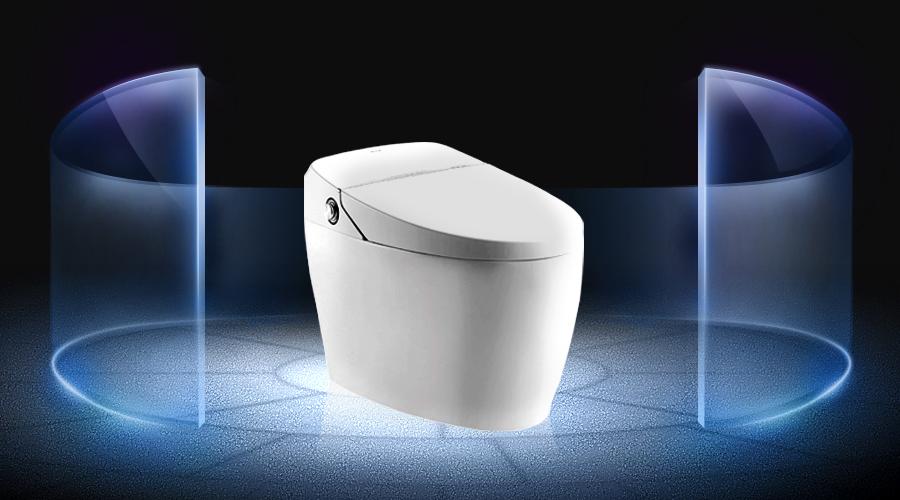 2015年,「智能马桶盖现象」和央视的「推波助澜」,让智能马桶这个名字走入寻常百姓家——这解决了智能马桶产品在中国市场知名度不够的问题。  2015年以来,智能马桶即热、储热之争,引发了智能马桶产品技术标准的行业大讨论,也让更多消费者意识到,适合中国卫浴环境的,才是最好的;保障健康的,才是靠谱的。「即热更健康」日趋成为消费者的共识——这事实上解决了智能马桶技术标准认知度的问题。  2016年秋,恒洁卫浴推出智能马桶六年超长质保,这,又是要解决什么问题? 事实